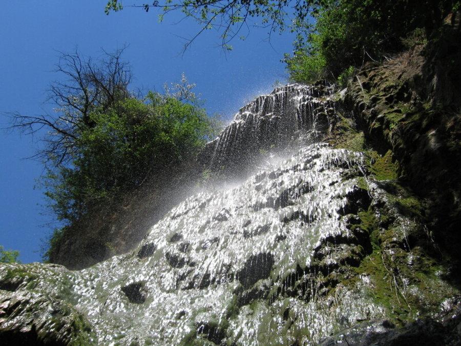 Пещерски водопад - Пещера