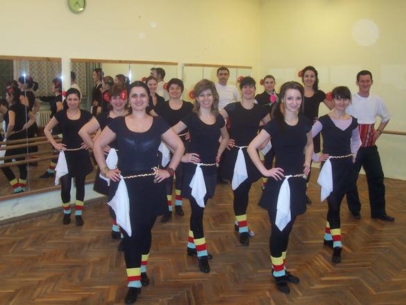 Клуб по народни танци Звънчета