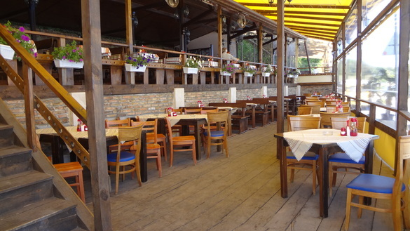 Ресторант Коневръза Бийч