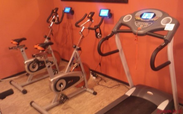 Фитнес зала G-max