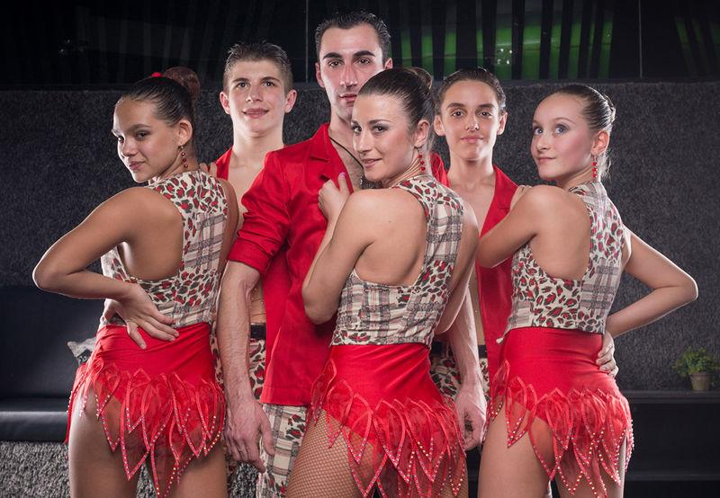 Танцово студио Let's Dance