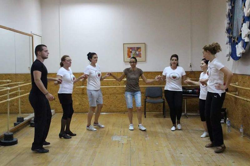 Клуб по народни танци Усмивки